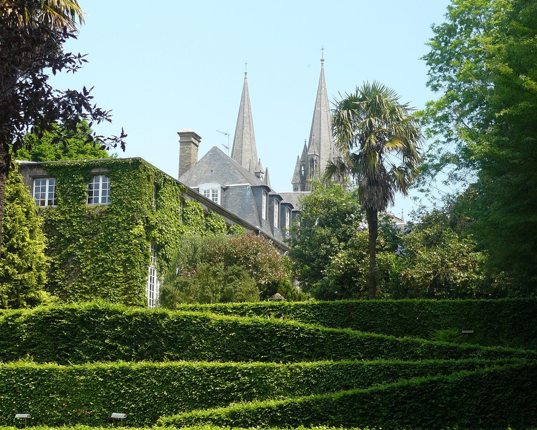 Parcs et jardins coutances balades et animations pour for Jardins de jardiniers